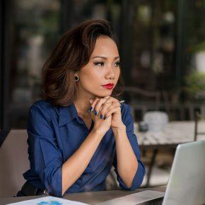 Cours en ligne visant à développer sa capacité à reconnaître et à rompre avec le cycle pernicieux de la violence conjugale.
